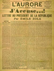 """Émile Zola angriper armén och den franska nationalstoltheten i artikeln """"J'accuse"""" (Jag anklagar)."""