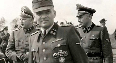 """Rudolf Höss torterades för att erkänna. Trots detta räknas Höss som ett av """"förintelsens"""" viktigaste vittnen."""
