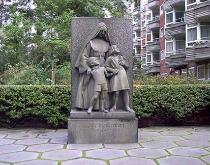 Minnessten för barnen som dödades under bombningarna.
