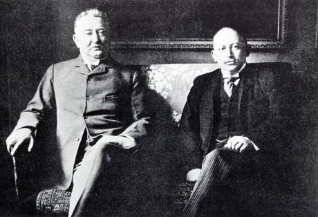 Cecil Rhodes och Alfred Beit ansvarade för diamanthandeln och planerade och finansierade kriget mot boerstaterna. Alfred Beit är av judisk börd, medan Cecil Rhodes har förnekat judisk härkomst.