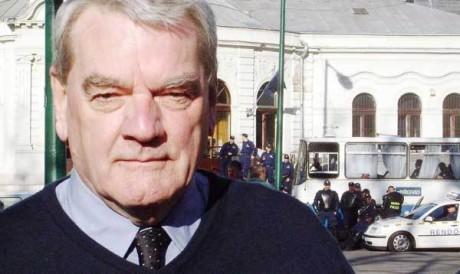 """Historikern David Irving är en av många som utsatts för politisk förföljelse för att ha ifrågasatt den ofiiciella versionen av """"förintelsen""""."""