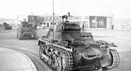 Weserübung-Süd_Panzers