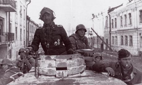 SS återerövrar Charkov.