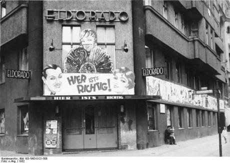 """Klubben Eldorado, en av träffpunkterna för homosexuella och transvestiter i Berlin under 1930-talet. Känd för sina """"drag shows"""" samt ett tillhåll för prostitution."""