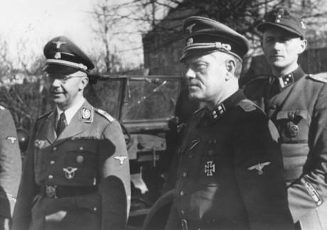Heinrich Himmler och Jonas Lie år 1943.