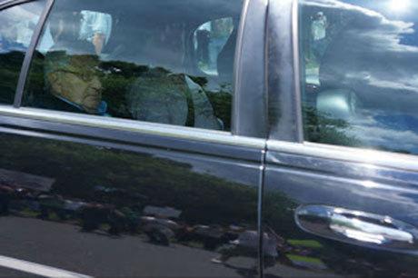 Kissinger, en ständig besökare av Bilderbergmötena. Här på väg till mötet 2012.