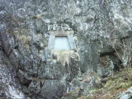 Edvard Grieg var en av de första norrmän som kremerades. Hans aska placerades i en urna inne i berget under hans hus Troldhaugen.