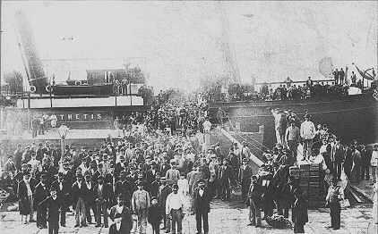 Mellan åren 1880-1914 lär 2 miljoner Jiddisch-språkiga Ashkenazi-judar ha emigrerat till USA.