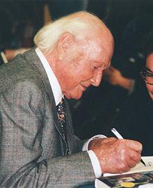 Heinrich Harrer under en boksignering.
