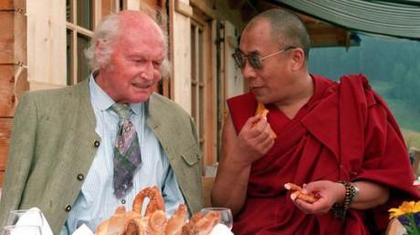 Heinrich Harrer och Dalai Lama under ett möte 1992.