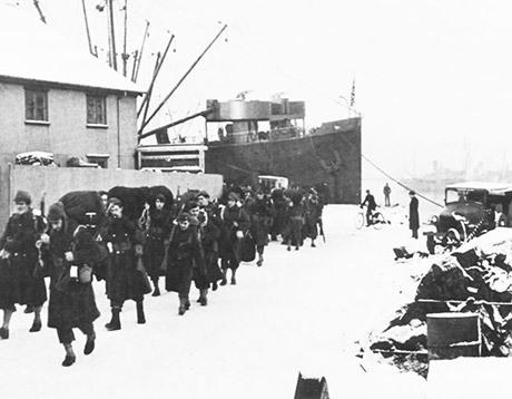 Amerikanska trupper landstiger i Reykjavik 1942.