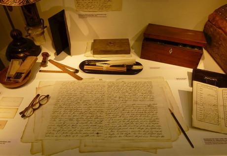 Berzelius skrivbord utställd på Stockholms gamla observatorium.
