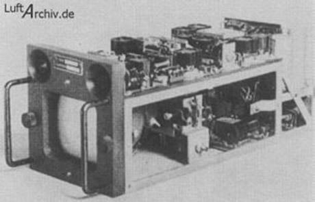 Mottagarenhet med bildskärm som användes av piloten för att styra Hs 293D mot sitt mål. Teknologin skulle senare användas av amerikanerna i Koreakriget.