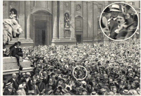 045-1914-08-01-Hitler-auf-demo-Odeonsplatz-Muenchen-portrait