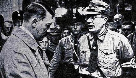 Hitler i samtal med en Gauleiter.