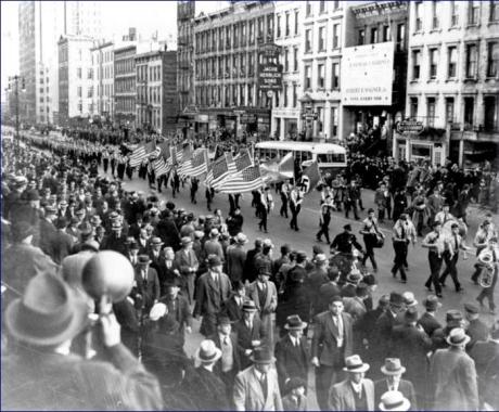 Bund_parade_in_New_York_in_1937_was_held_under_police_guard