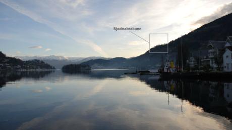 Hardanger sett från Norheimsund och från Bjødnabrakane där Geirr Tveitts hem låg.
