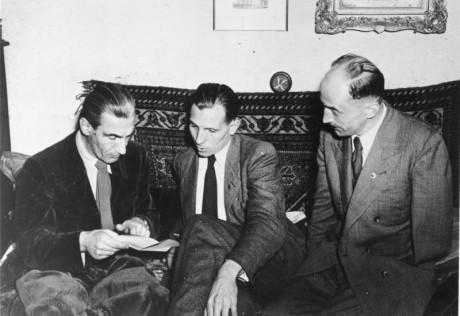 Tre av de nio personerna som grundade Tyska socialistiska rikspartiet. Från vänster: Fritz Dorls, Ott Ernst Remer, Wolf von Westarp. Bild tagen i augusti 1952.