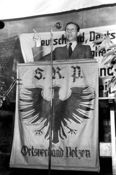 Otto Remer i ett tal för SRP 1949.