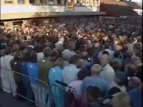 Arne Myrdals möten samlade tusentals åskådare. Här i Brumunddal 1991.