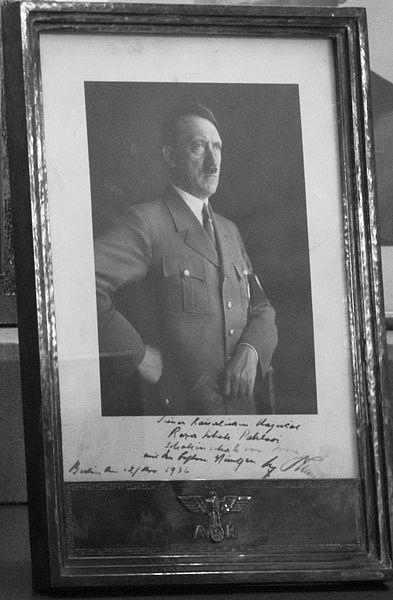 Hitlerphotoforreza