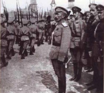 Lavr Kornilov, en av ledarna för de vita trupperna i inbördeskriget.
