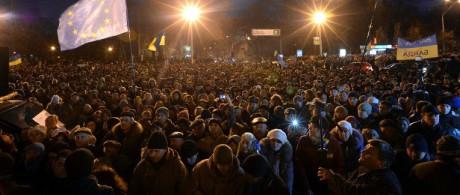 Folkmassa i Kiev.