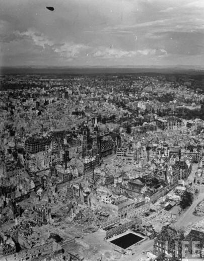 Nürnberg efter bombningarna.