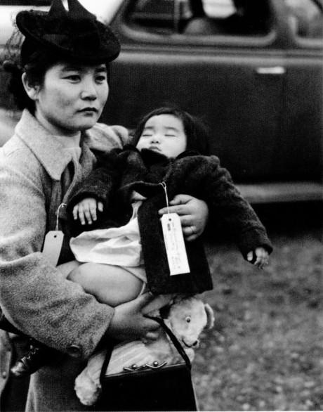 Fumiko Hayashida och hennes ettåriga dotter, Natalie, omlokaliseras.