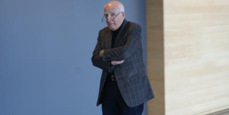 Idag ställde Leif Silbersky upp på att posera framför Nordfronts kameror. Silbersky är dock inte inblandad i Kärrtorp-rättegången.