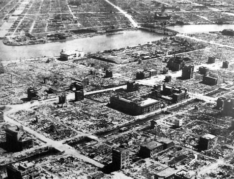 Hundratusentals byggnader förstördes.