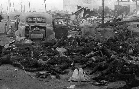 Förkolnade rester av japanska civila.