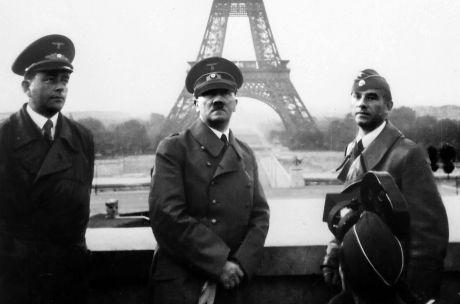 Albert Speer tillsammans med Hiter och Arno Breker vid ett besök i Paris