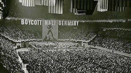 Judar i Madison Square Garden, 27 mars 1933. Dessa judiska möten var det som föranledde bojkotten i Tyskland.