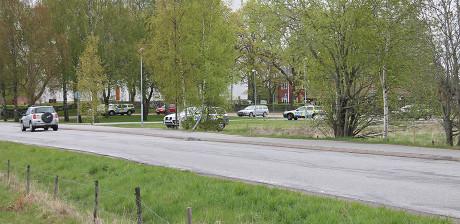 """Som mest var det sju polisbilar som """"vaktade"""" vårt föredrag."""