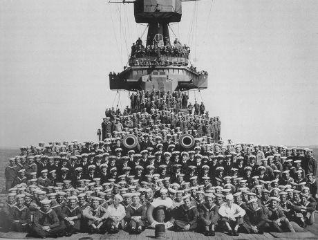 Besättningen på ett av Sverigeskeppen under andra världskriget
