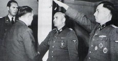 Felix Steiner tillsammans med Hitler och Leon Degrelle
