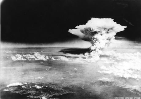 Atombomben över Hiroshima.