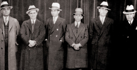 Chicago-Meyer-Lansky-and-Lucky-Luciano-in-center-1932