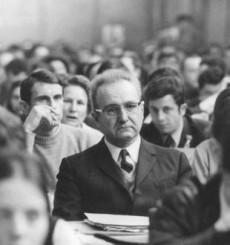 Roger Garaudy var professor i filosofi vid Poitiers mellan 1969 och 1973.