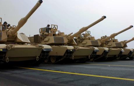 Kuwaiti_M1_Abrams_tanks