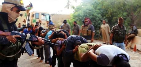 Den USA-understödda gruppen har gjort sig känd för brutala massavrättningar.