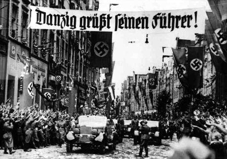 Hitler hyllas för befrielsen av Danzig. Från den 20 september 1939 i Danzig.