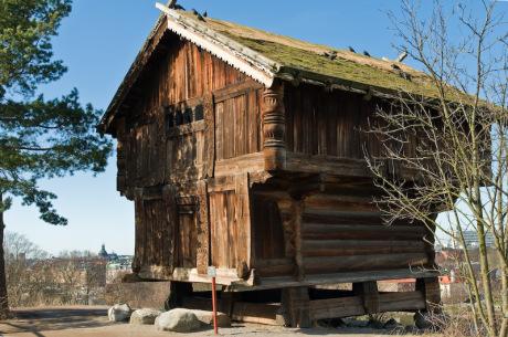 Vastveitloftet från Telemarken i Norge, den äldsta byggnaden på Skansen.