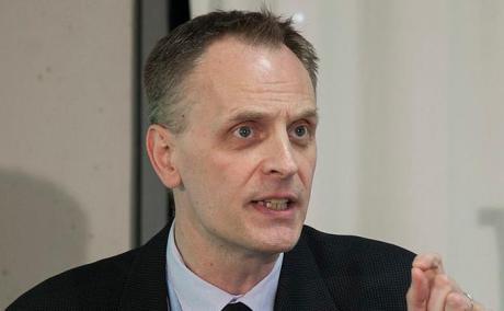 Dr Richard Horton vägrade konsekvent att vika sig för Israel-lobbyn och det öppna brevet ligger fortfarande kvar på tidskriftens webbplats.