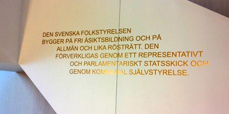 """Detta budskap mötte Nordfronts utsända i tingsrättssalen. Nu vet vi att Örebro tingsrätt inte menar allvar med """"fri åsiktsbildning""""."""