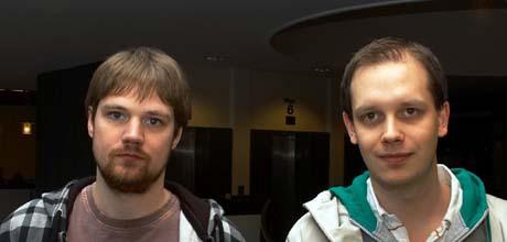 Fredrik Neij och Peter Sunde under rättegången.