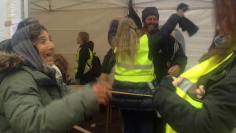 """Tiggare """"gör kaos"""" vid hjälpaktion för hemlösa i Sverige."""