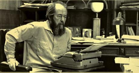 Den ryske författaren Alexander Solzhenitsyn.