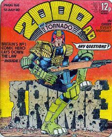 Första numret av 2000 AD med Judge Dredd.